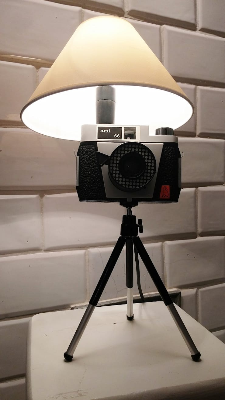 FotoLampka ami: styl , w kategorii Domowe biuro i gabinet zaprojektowany przez RefreszDizajn