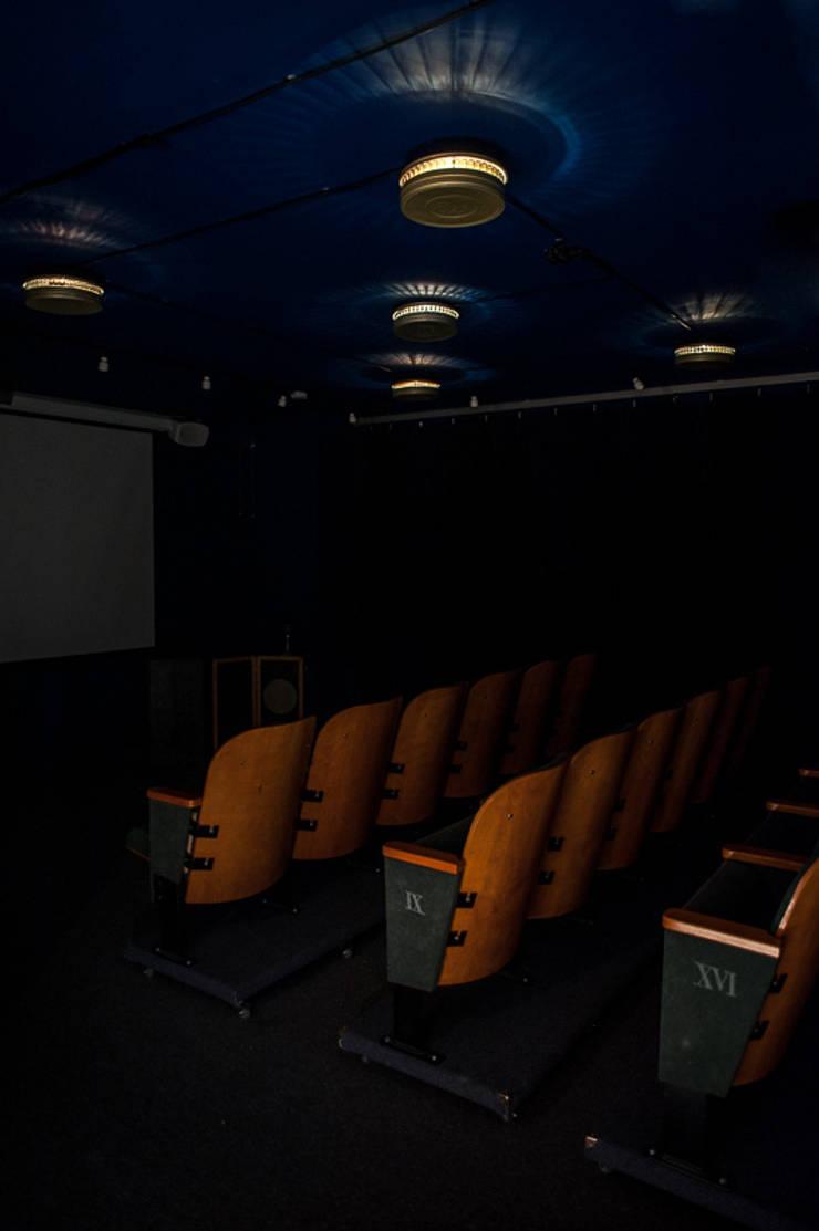 ORWOkosmoLAMP: styl , w kategorii Pokój multimedialny zaprojektowany przez RefreszDizajn