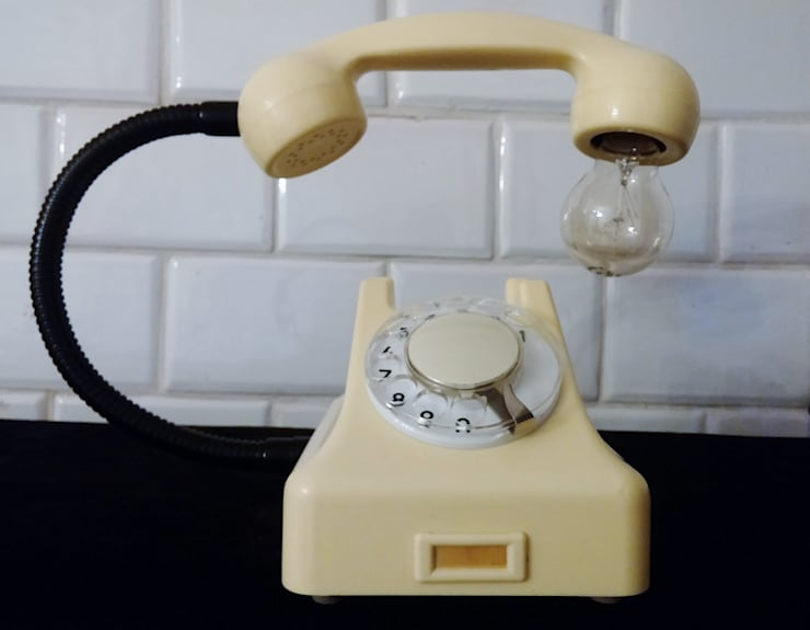 teleLAMPAfon - iVory 61': styl , w kategorii Domowe biuro i gabinet zaprojektowany przez RefreszDizajn