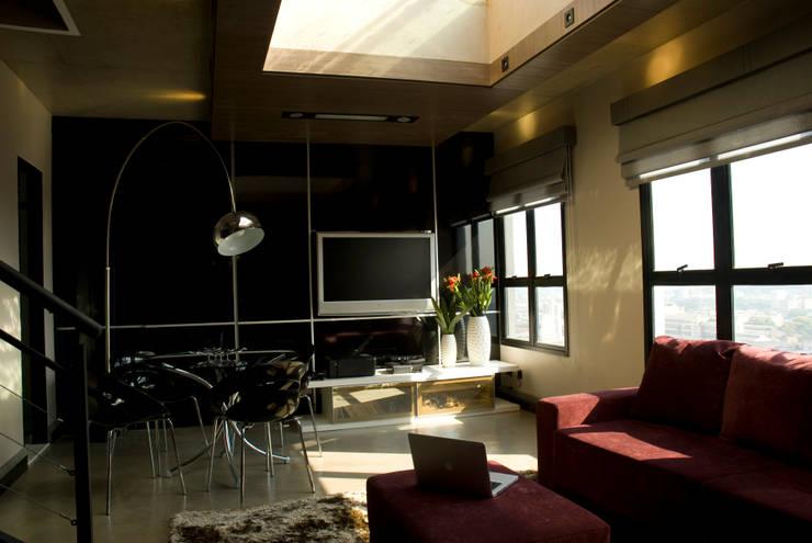 Projeto: Salas de estar  por Carla Sorg Arquitetura & Interiores