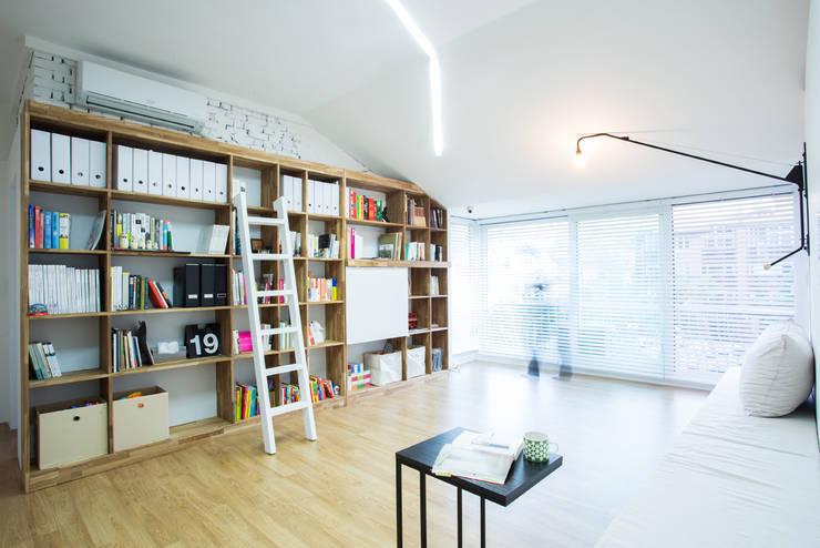 The Diagonal Line _평창동 빌라: 지오아키텍처의  거실,모던