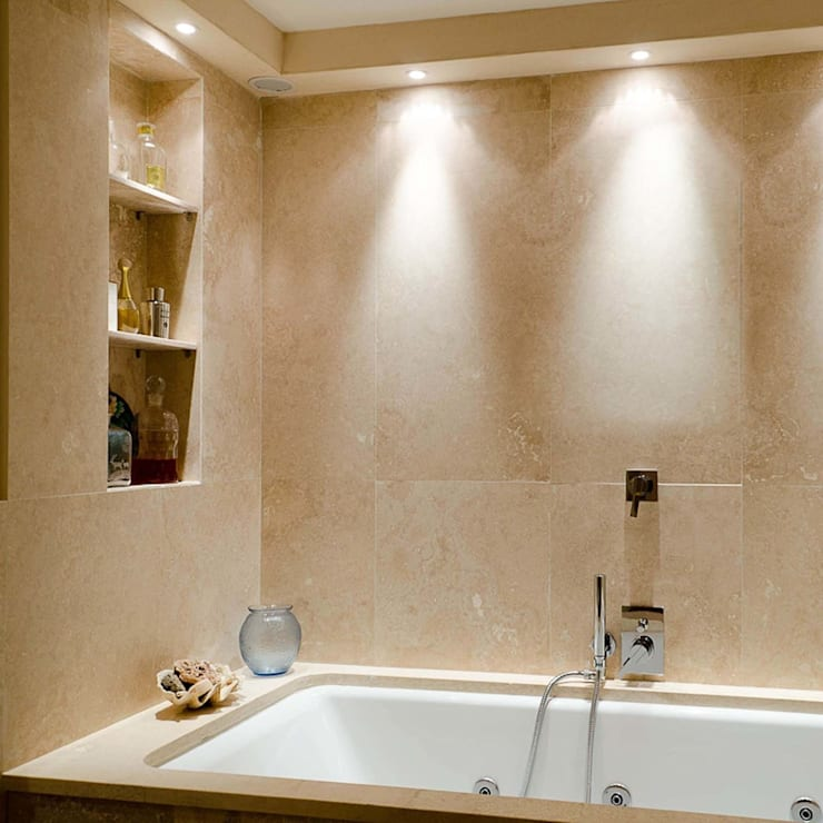 Baños de estilo clásico de Pietre di Rapolano Clásico Mármol