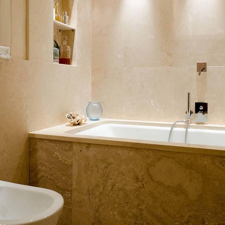 Baños de estilo clásico de Pietre di Rapolano Clásico Piedra