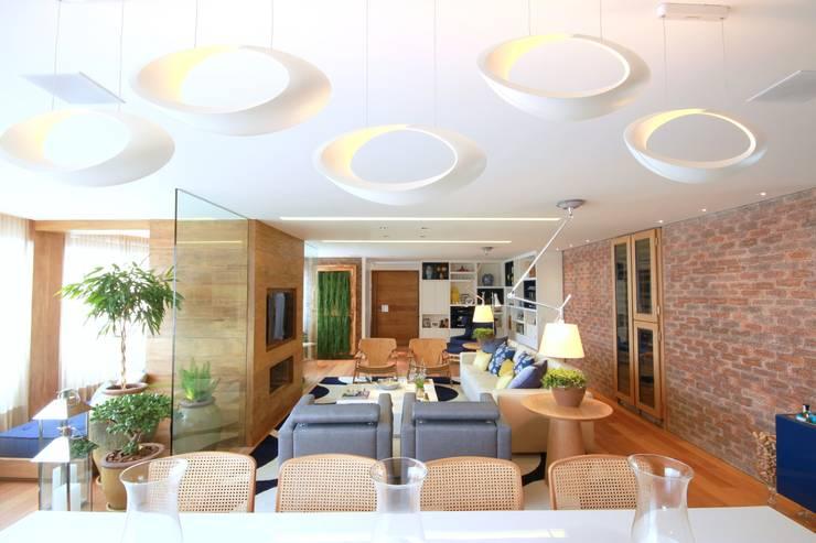 Morumbi Salas de estar modernas por MeyerCortez arquitetura & design Moderno