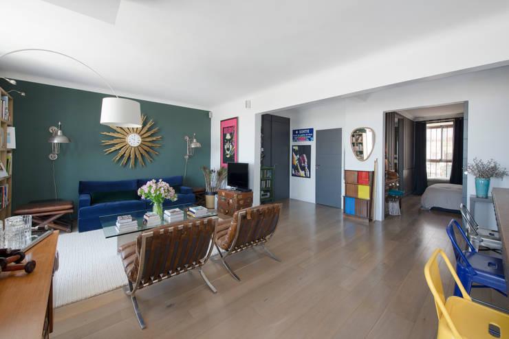 Appartement Caulaincourt Paris: Salon de style  par Hélène de Tassigny