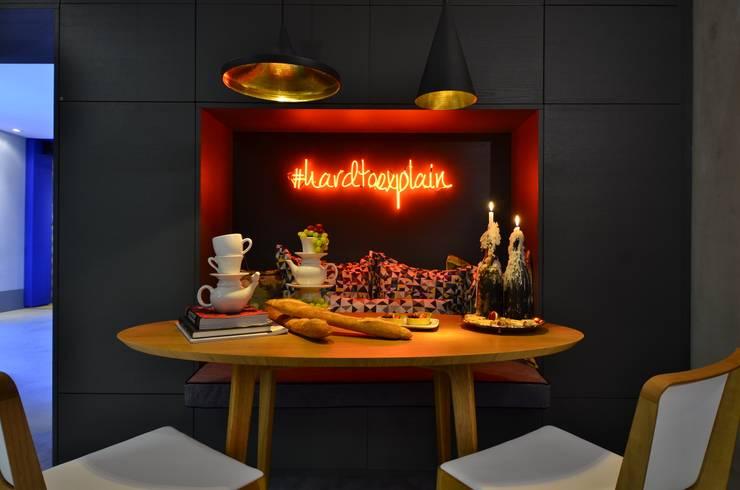 Cozinha de Estar : Cozinhas  por Studio Cinque