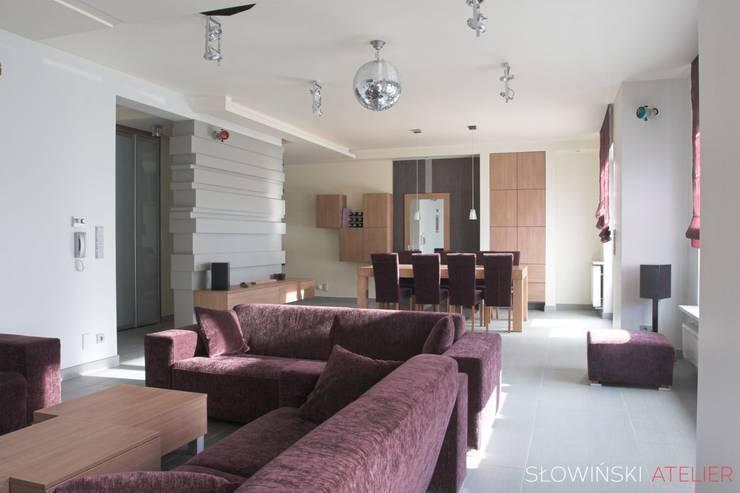 Segment w Łodzi: styl , w kategorii Salon zaprojektowany przez Atelier Słowiński