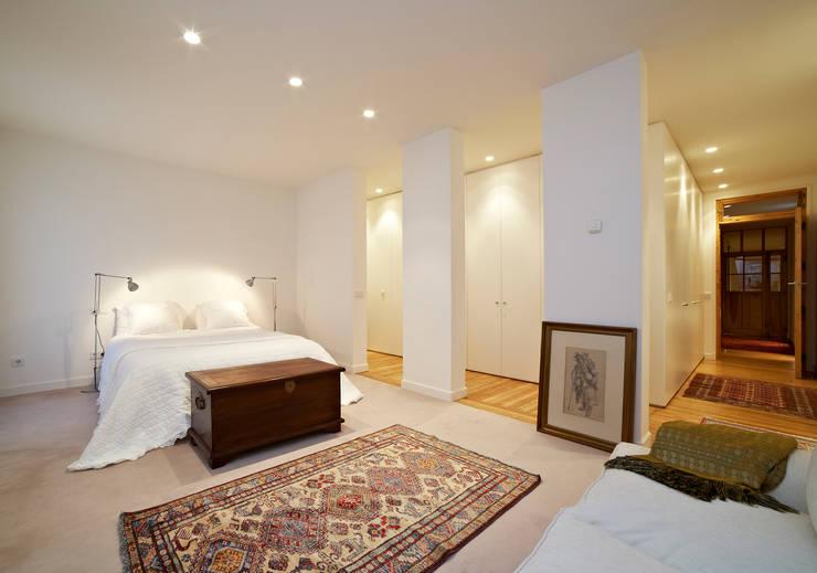 Vivienda Ortega y Gasset.Madrid: Dormitorios de estilo  de Beriot, Bernardini arquitectos