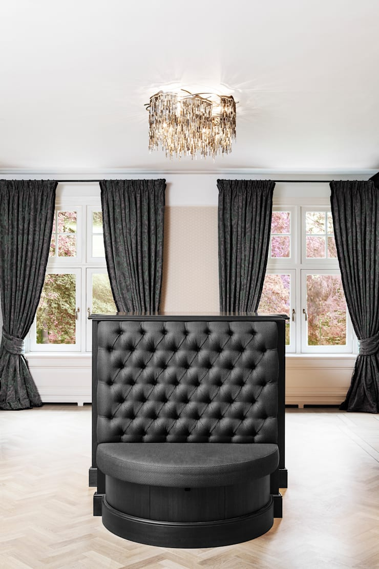 ARTHUR , Brand Van Egmond:  Artwork by Future Light Design
