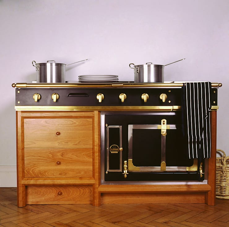 La Cornue Ensemble Oven designed and made by Tim Wood: classic Kitchen by Tim Wood Limited