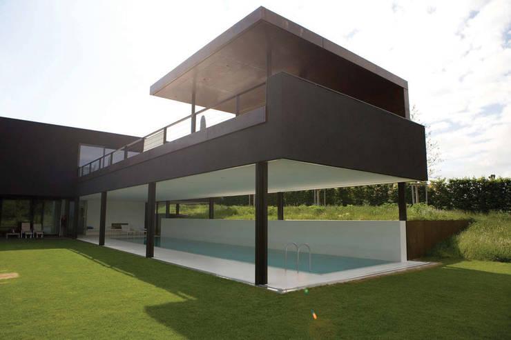 Houses by Descender Fronts by Kollegger