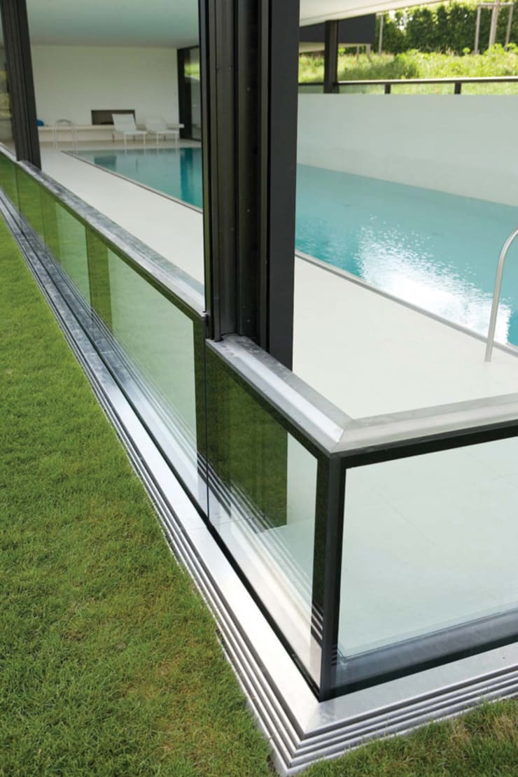 Descender Fronts - glass/glass corner:  Houses by Descender Fronts by Kollegger