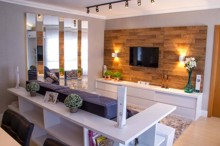 Projeto de Arquitetura de Interiores - Sala de Estar Integrada: Salas de estar  por Sarah & Dalira