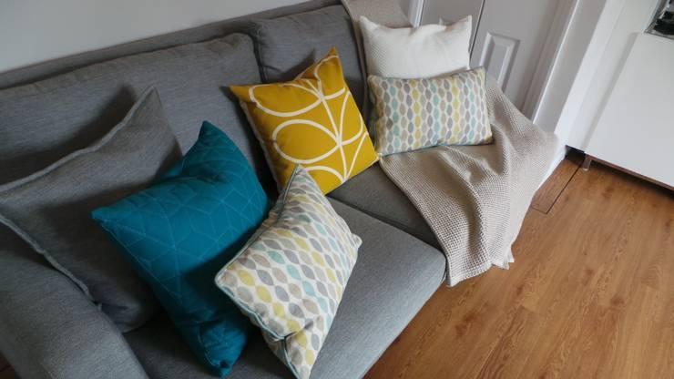 غرفة المعيشة تنفيذ Eva Antoniou Interior Design