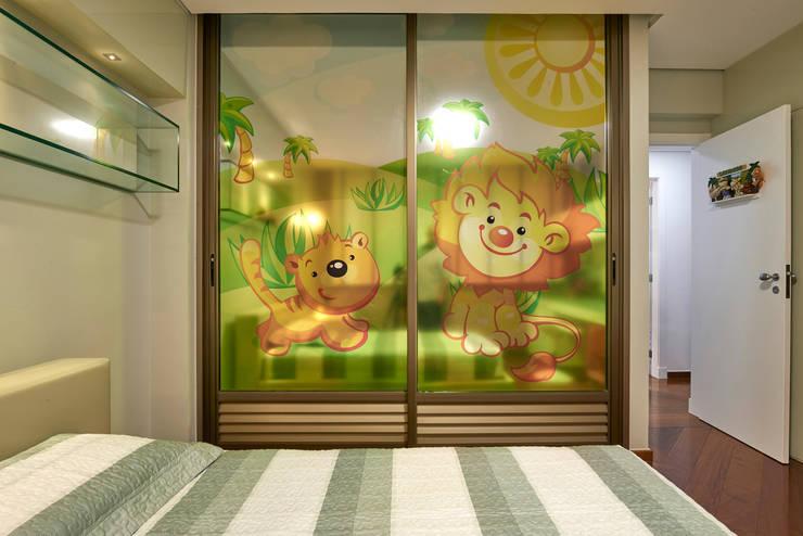 Cuartos infantiles de estilo  por Gislene Lopes Arquitetura e Design de Interiores