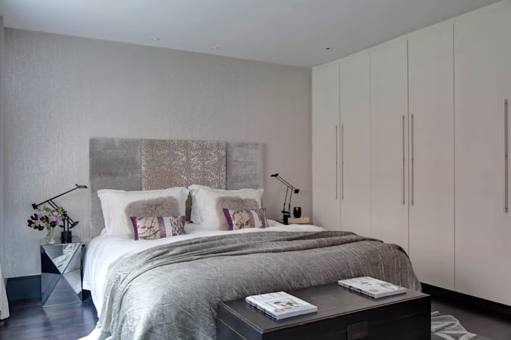West End Apartment:  Bedroom by Nicola Holden Designs