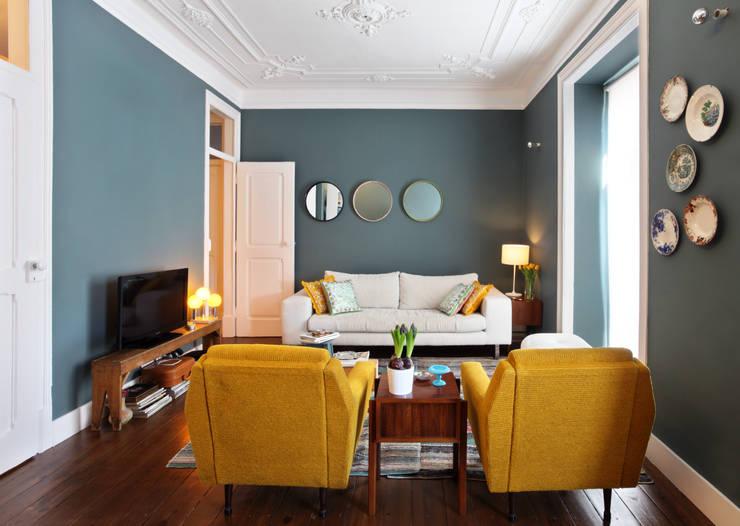 Apartamento Saldanha_Reabilitação Arquitectura + Design Interiores: Salas de estar  por Tiago Patricio Rodrigues, Arquitectura e Interiores