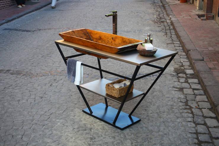 Reformist Project – Bathroom cabinet No:14.1002: eklektik tarz tarz Banyo