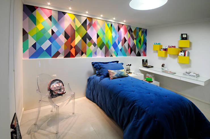 Dormitorios de estilo moderno de Coutinho+Vilela