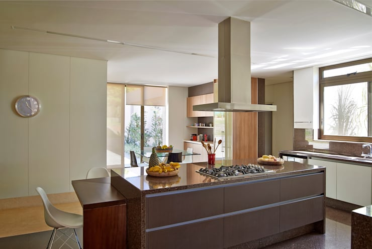 Projekty,  Kuchnia zaprojektowane przez Beth Marquez Interiores