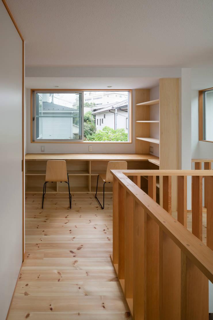 大塚の家: 山岡建築研究所が手掛けた和室です。