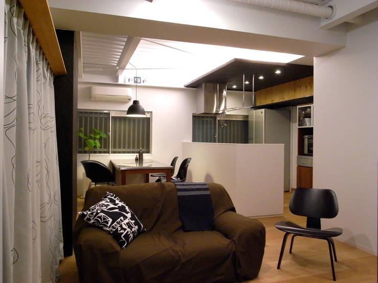 布施Mリノベーション: 4建築設計事務所が手掛けたダイニングです。