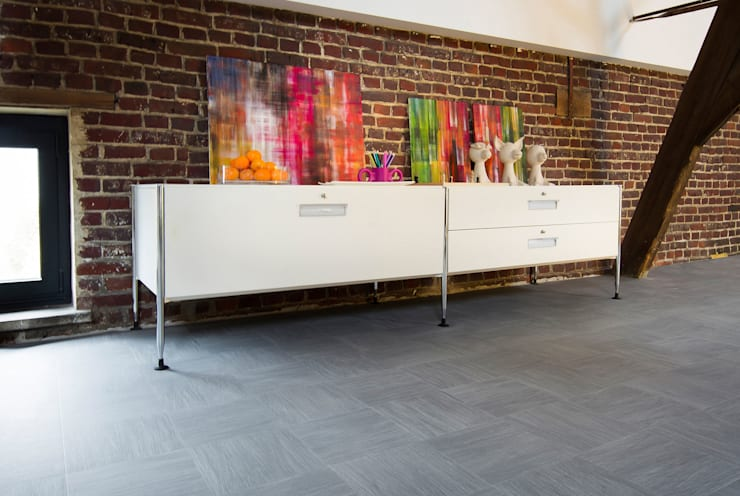 Morgane:  Walls & flooring by Avenue Floors