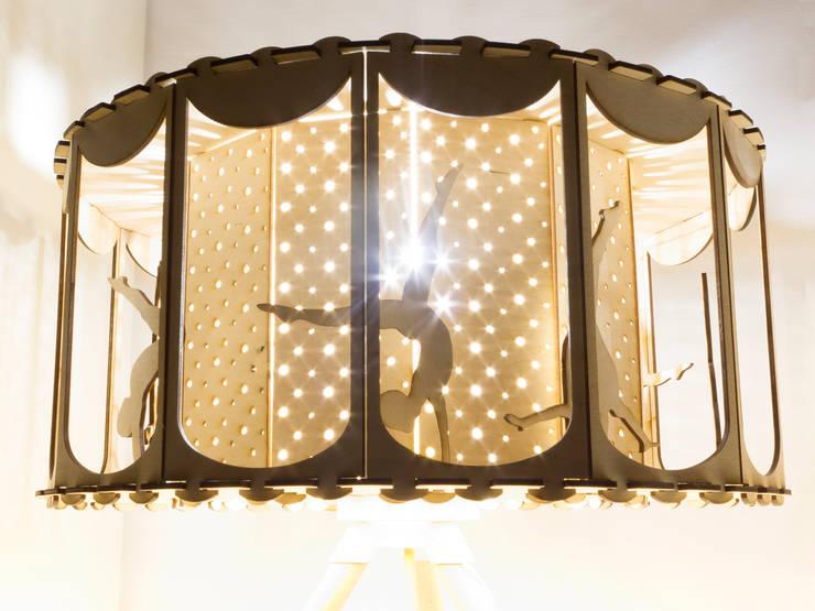 Lampa CYRK: styl , w kategorii Pokój dziecięcy zaprojektowany przez Smaga Projektanci