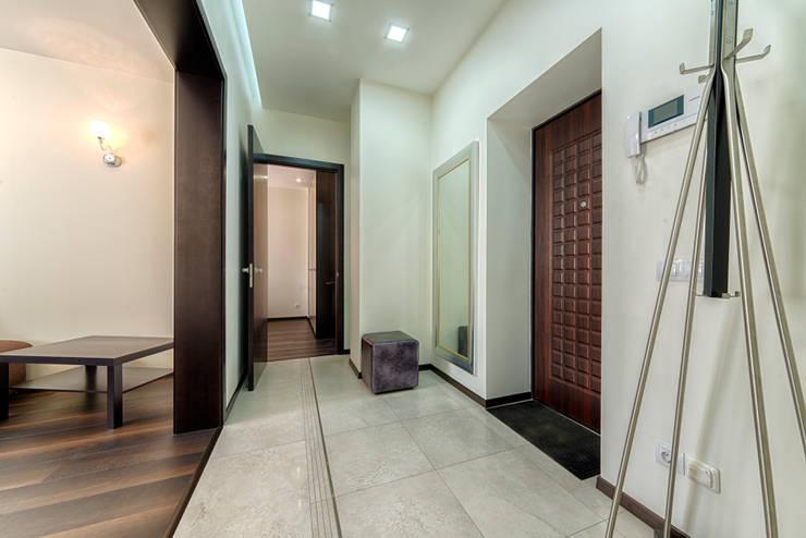 minimalistic Corridor, hallway & stairs by Platon Makedonsky