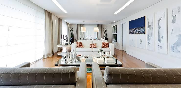 Lapa | Residenciais: Salas de estar  por SESSO & DALANEZI