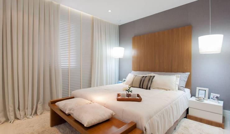 Modern style bedroom by SESSO & DALANEZI Modern