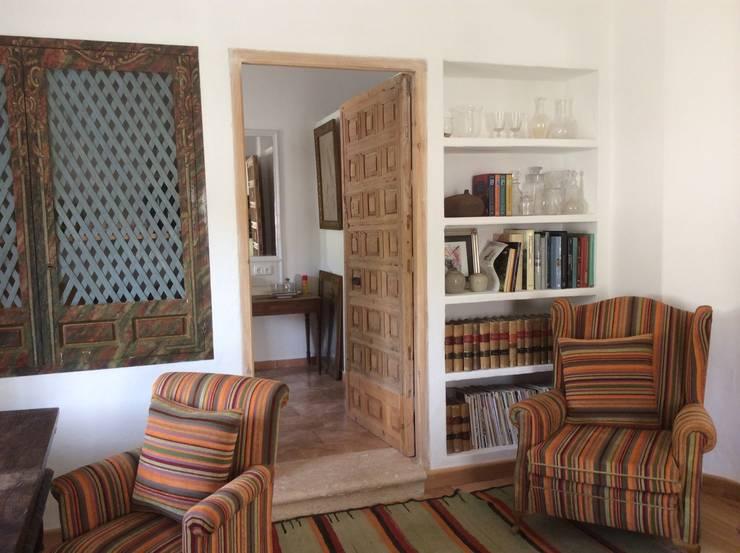 Salas / recibidores de estilo  por Anticuable.com