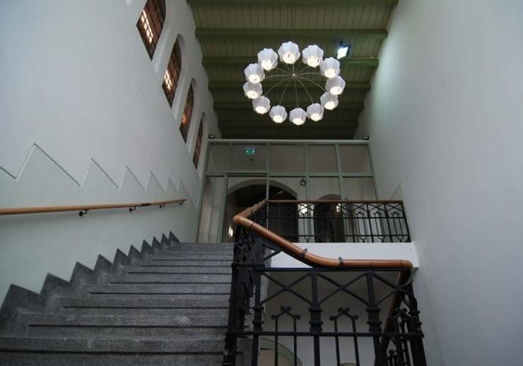Dahlia:  Kantoorgebouwen door Buro Bruno