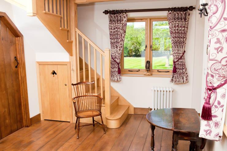 Barn Conversion - Entrance hall:  Corridor & hallway by Design by Deborah Ltd