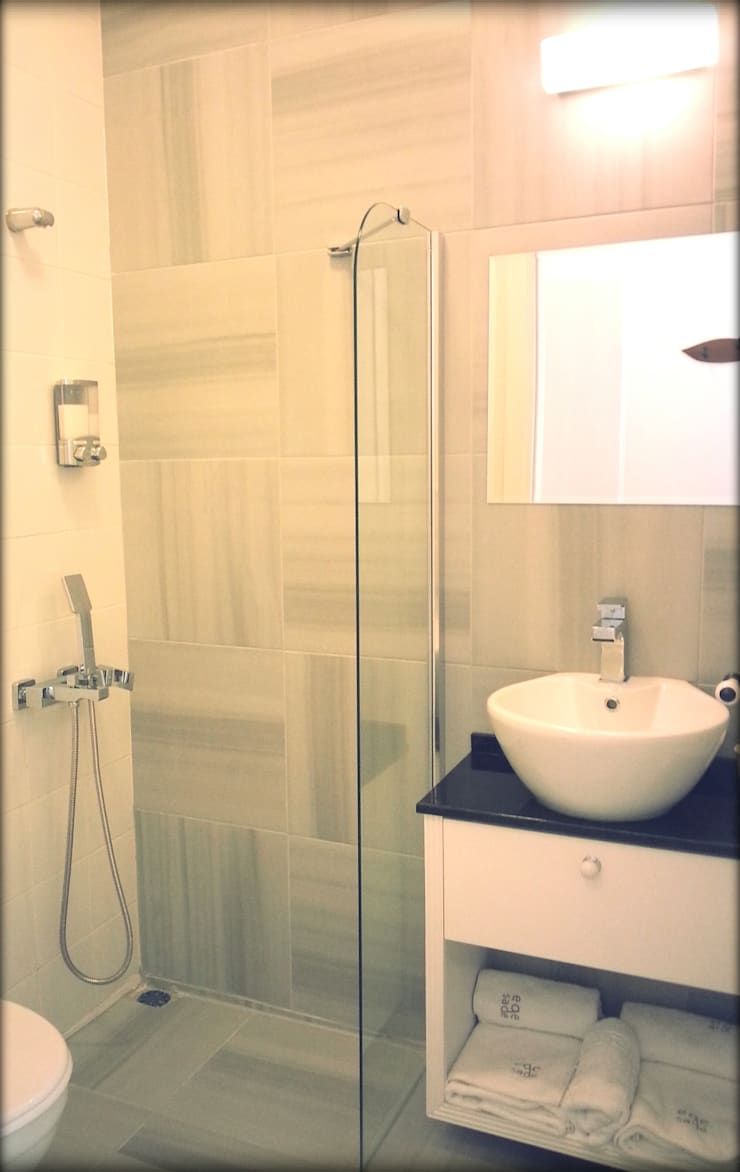 Ferhan Tasarım – Oda Banyosu, Egesade Otel:  tarz Oteller