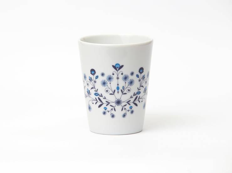 Porcelanowy kubek Folk marki Zulana (poj. 0,26l): styl , w kategorii Jadalnia zaprojektowany przez Zulana,
