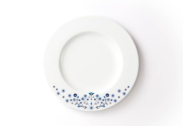 Porcelanowy talerz z kolekcji Folk marki Zulana , śr.21 cm: styl , w kategorii Jadalnia zaprojektowany przez Zulana,