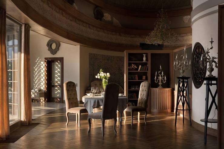 Дом на Днепре: Гостиная в . Автор – SBM studio