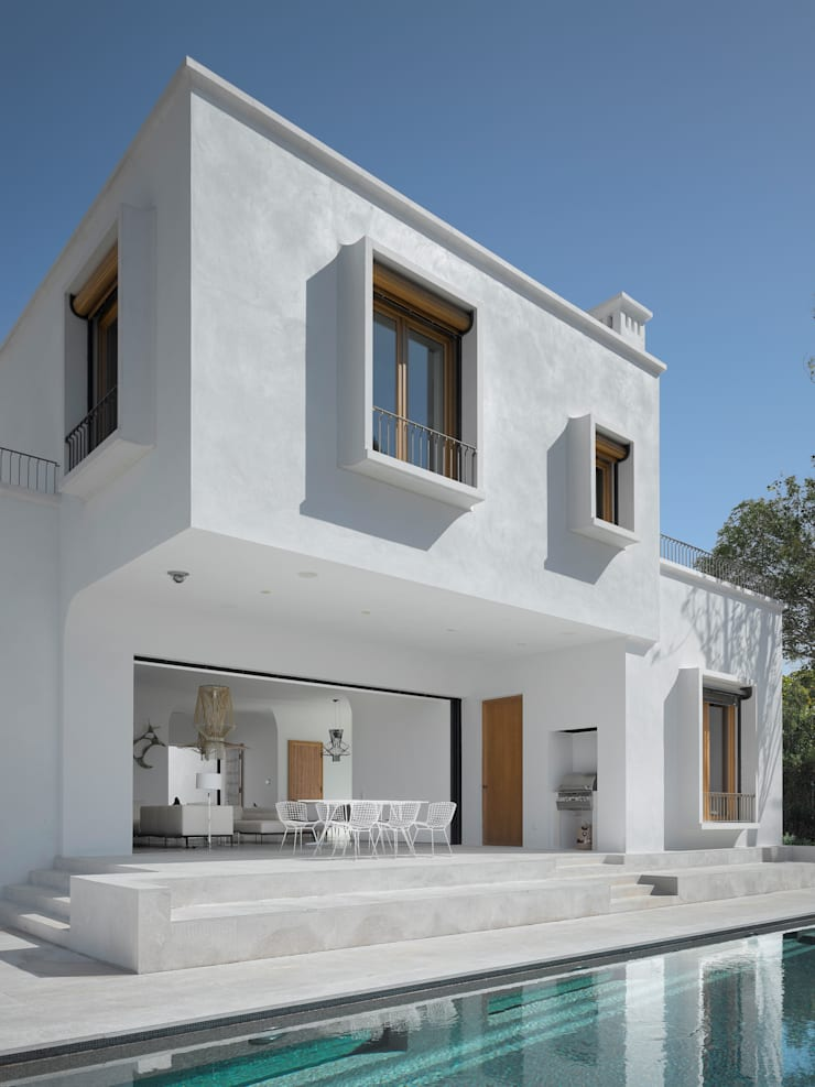Descender Fronts at Cala Blava, Mallorca—Spain:  Houses by Descender Fronts by Kollegger