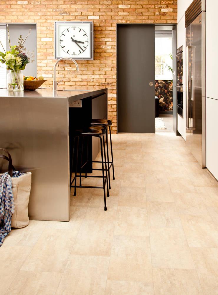 Challenger:  Walls & flooring by Leoline