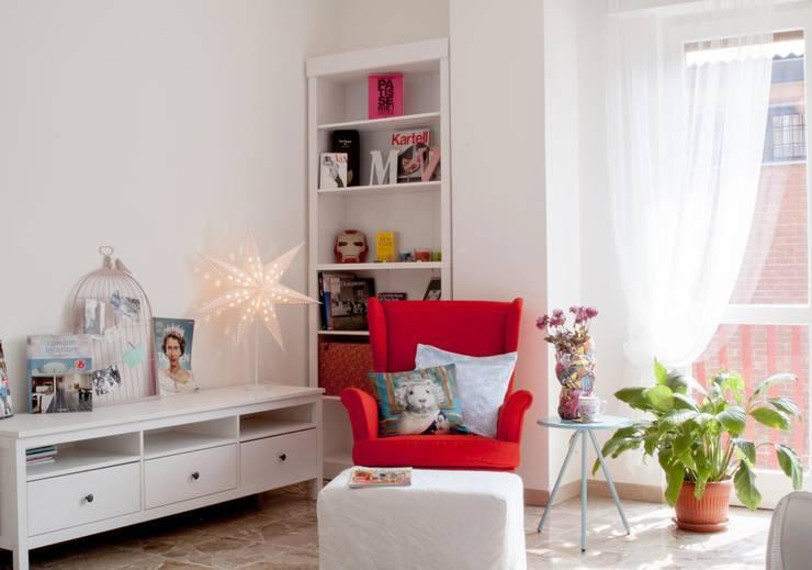 Appartamento privato - Milano: Soggiorno in stile  di Marco D'Andrea Architettura Interior Design