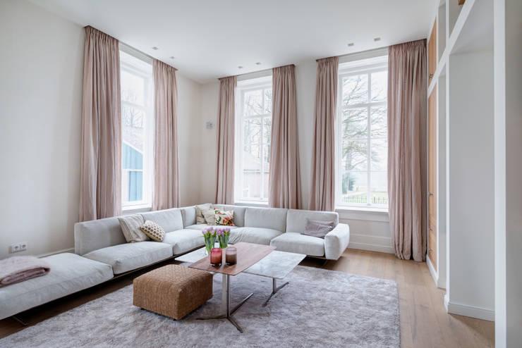 modern Living room by Baden Baden Interior