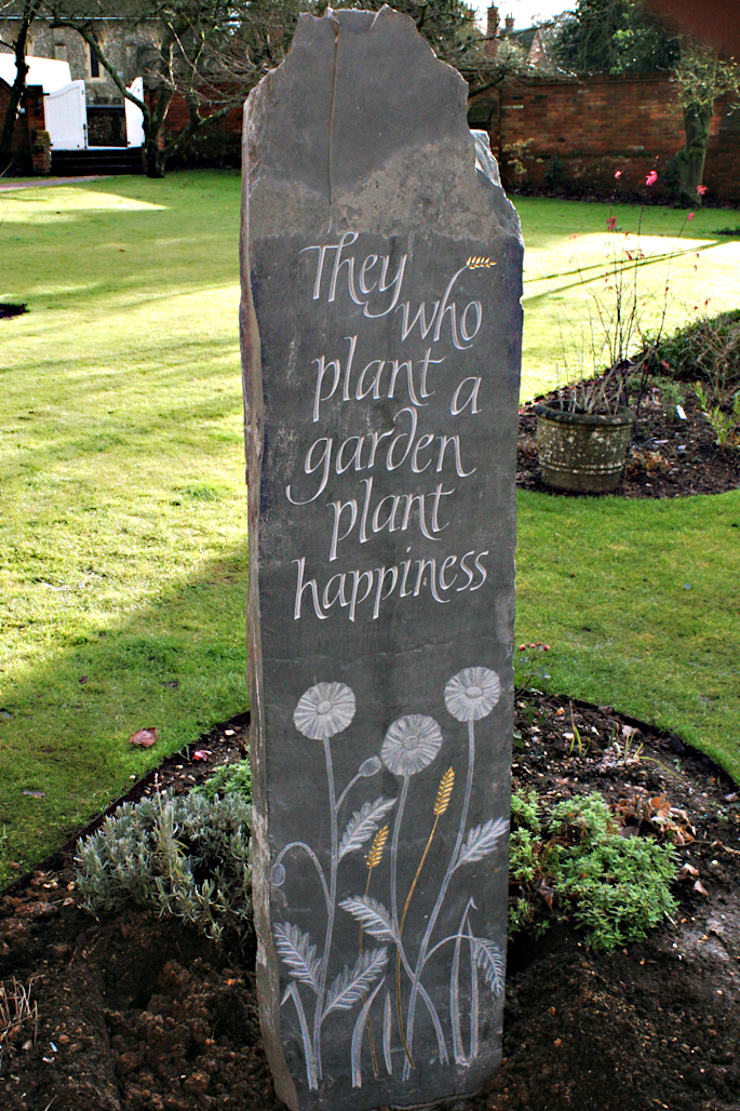 Riven Welsh slate carved standing stone:  Garden by Martin Cook Studio