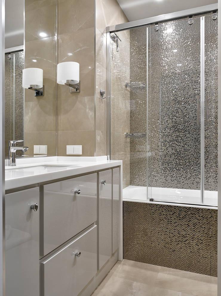 Дизайн квартиры в Москве / ул. 9 Мая: Ванные комнаты в . Автор – Бюро TS Design
