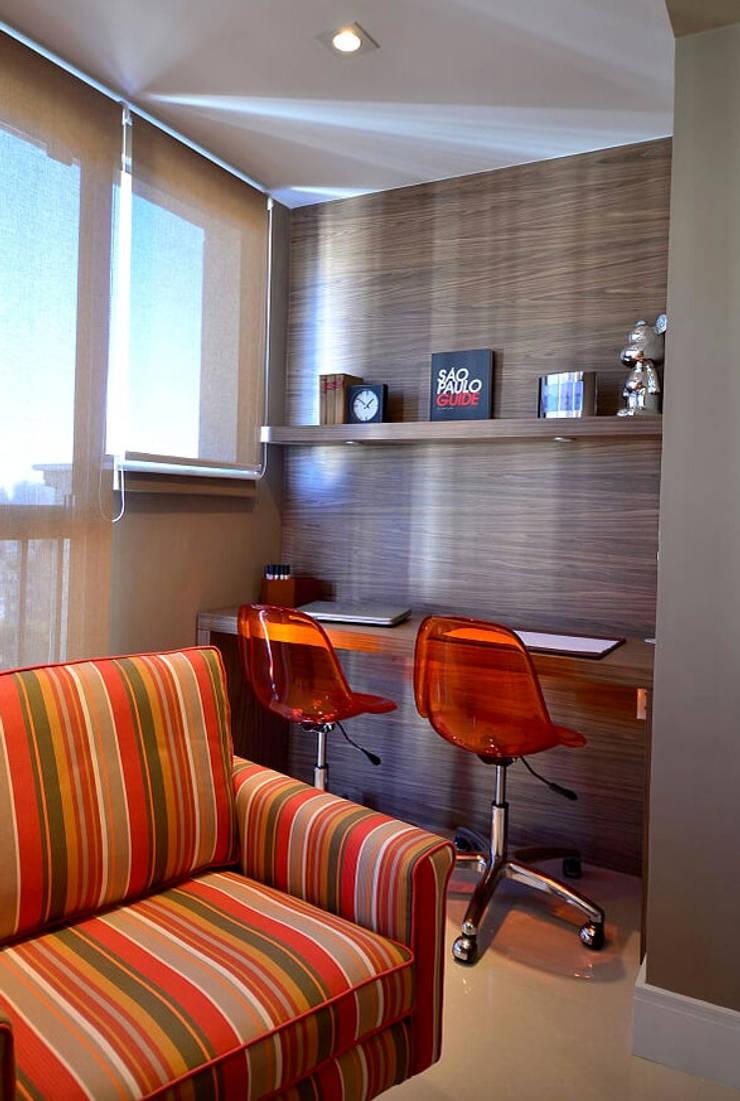 Apartamento Urban: Escritórios  por Studio Cinque,Moderno