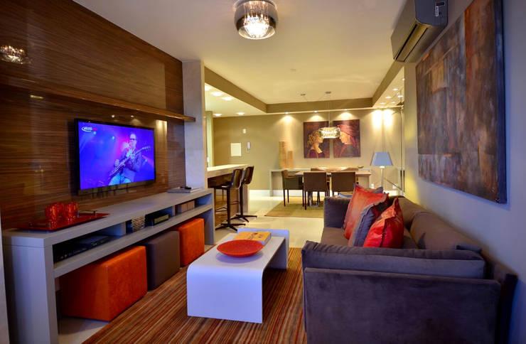 Apartamento Urban: Salas de estar  por Studio Cinque