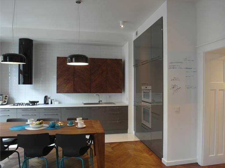 Kamienica: styl , w kategorii Kuchnia zaprojektowany przez NaNovo