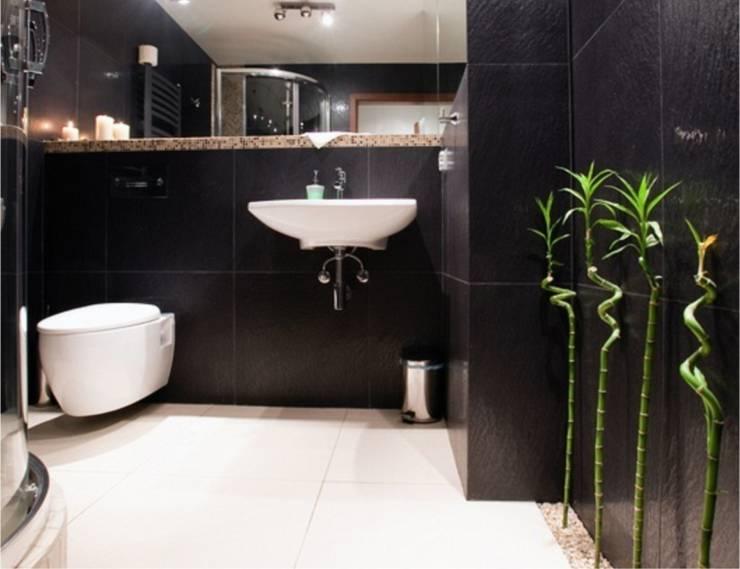 mała czarna: styl , w kategorii Łazienka zaprojektowany przez NaNovo