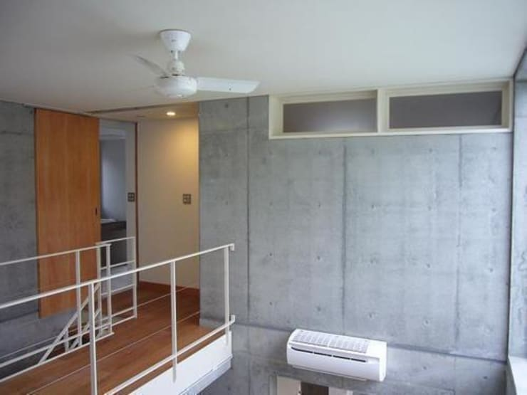 Living room by 三浦尚人建築設計工房, Modern