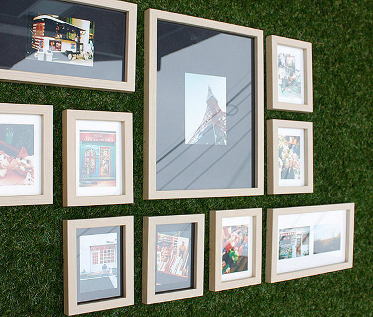 PHOTOWALL GALLERY FRAME 10P SET—Natural: A.MONO Co,.LTD.의 현대 ,모던